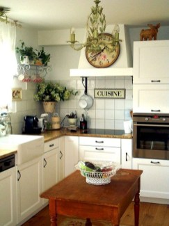 Cool Farmhouse Kitchen Decor Ideas On a Budget 11