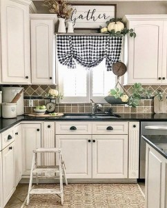 Cool Farmhouse Kitchen Decor Ideas On a Budget 20