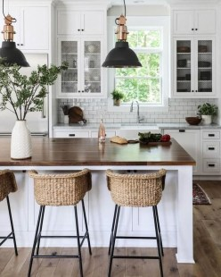 Cool Farmhouse Kitchen Decor Ideas On a Budget 39
