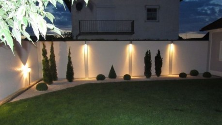 Gorgeous Front Fence Lighting Ideas to Apply Now 14