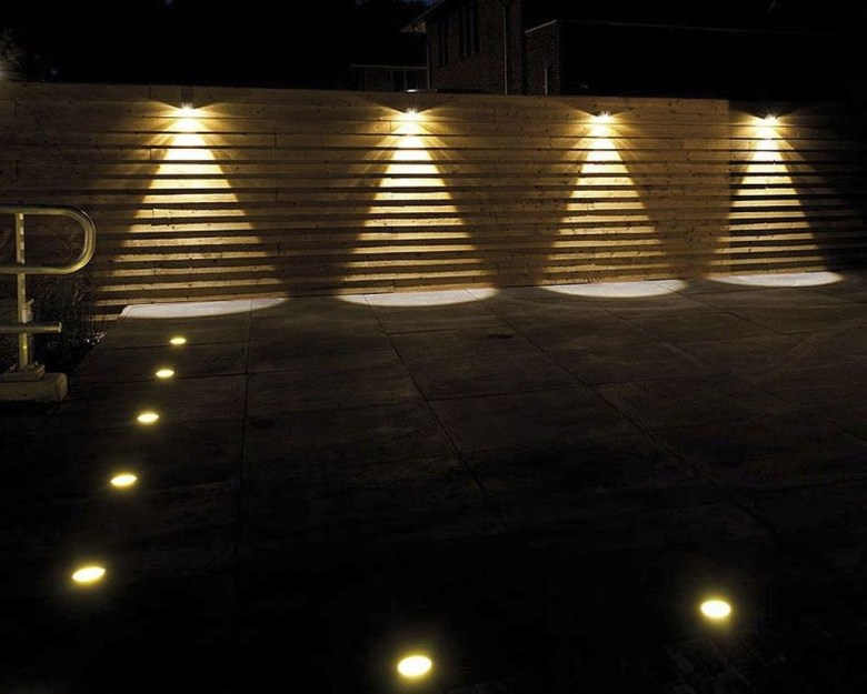 Gorgeous Front Fence Lighting Ideas to Apply Now 26