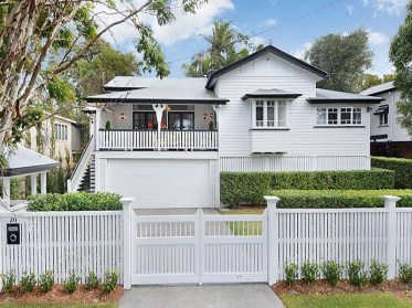 How to Coolest & Looks Bright, with Fences White-colored House 04