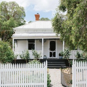 How to Coolest & Looks Bright, with Fences White-colored House 16