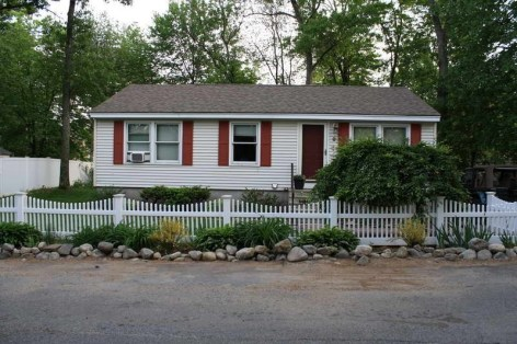 How to Coolest & Looks Bright, with Fences White-colored House 25
