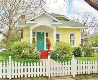 How to Coolest & Looks Bright, with Fences White-colored House 32