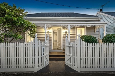How to Coolest & Looks Bright, with Fences White-colored House 41