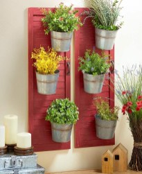 Inexpensive DIY Planter with Pallet 55