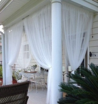 Outdoor Curtain Ideas to Spice Up Your Outdoor Space 17