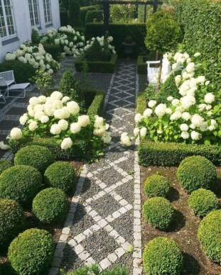Stunning Garden Path and Walkways Design to Beautify Your Garden 77