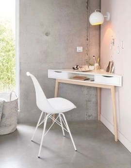 Amazing DIY Space-Saving Pallet Desk Ideas That You Must Try 07