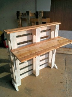 Amazing DIY Space-Saving Pallet Desk Ideas That You Must Try 15