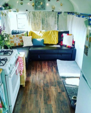 Amazing RV Decorating Designs and Project That You Have To Try 36
