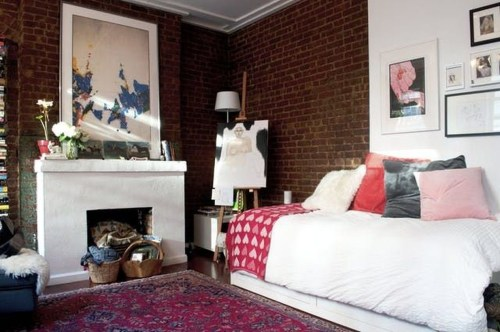 Amazing Small Living Room Design to Make Feel Bigger 01
