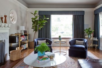 Amazing Small Living Room Design to Make Feel Bigger 42