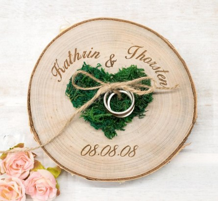 Beautiful Decorations for Your Wedding Decoration with Wooden Slices35