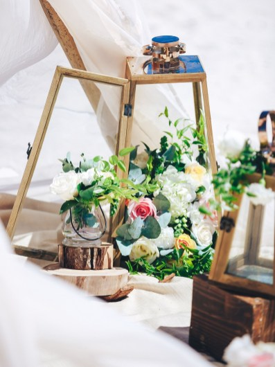 Beautiful Decorations for Your Wedding Decoration with Wooden Slices45