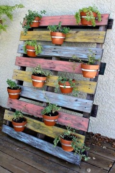 Best Fall Pallet Projects and Design for Your Home on a Budget 46