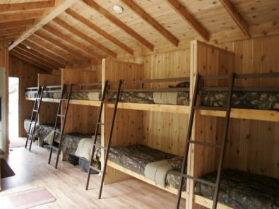 Bunk Beds with Wooden Wall Design 20