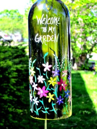 Charming Backyard Ideas Using an Empty Glass Bottle06