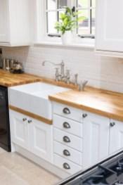 Cozy Kitchen Decorating with Farmhouse Sink Ideas 01