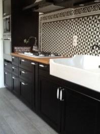 Cozy Kitchen Decorating with Farmhouse Sink Ideas 05