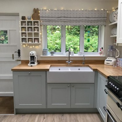 Cozy Kitchen Decorating with Farmhouse Sink Ideas 07