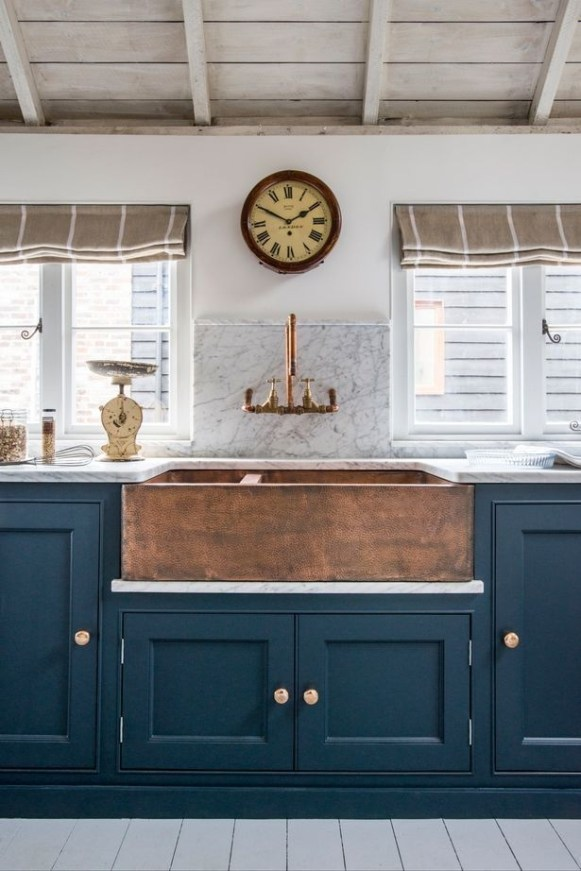 Cozy Kitchen Decorating with Farmhouse Sink Ideas 14
