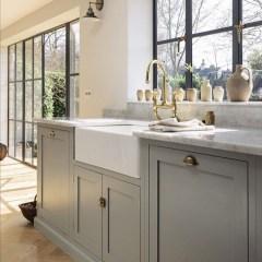 Cozy Kitchen Decorating with Farmhouse Sink Ideas 20