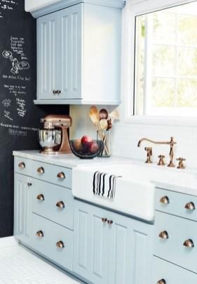 Cozy Kitchen Decorating with Farmhouse Sink Ideas 40