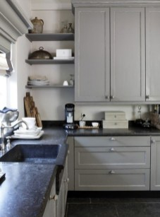 Cozy Kitchen Decorating with Farmhouse Sink Ideas 44