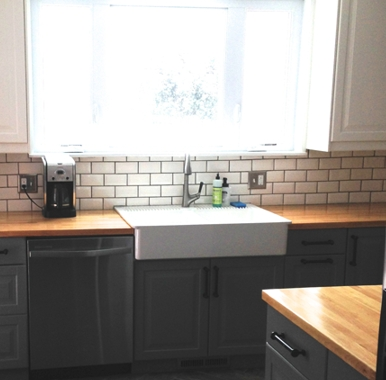 Cozy Kitchen Decorating with Farmhouse Sink Ideas 48