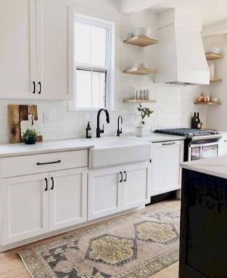 Cozy Kitchen Decorating with Farmhouse Sink Ideas 49