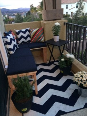 Fabulous DIY Projects To Make Small Backyard More Cozy 02