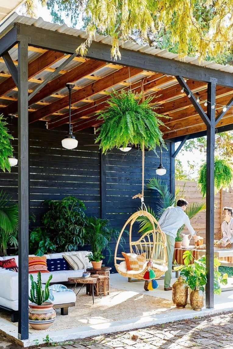 Fabulous DIY Projects To Make Small Backyard More Cozy 15