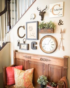 Gorgeous Wall Clock Decoration for Your Small Living Room17