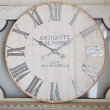 Gorgeous Wall Clock Decoration for Your Small Living Room32