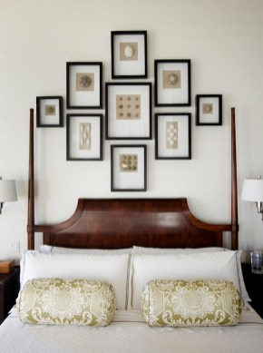 Simple And Memorable Photo Frame Decoration on Your Bedroom Wall 40