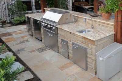 Amazing Outdoor Kitchen Bars to Finish This Summer 10