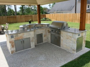 Amazing Outdoor Kitchen Bars to Finish This Summer 11