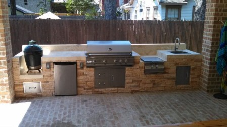 Amazing Outdoor Kitchen Bars to Finish This Summer 21