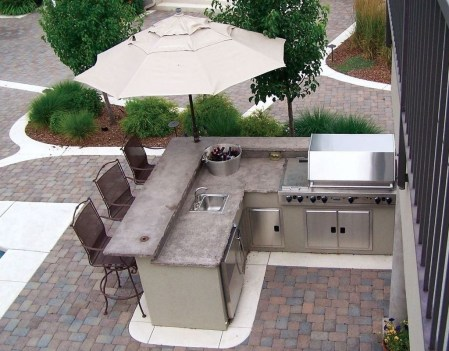 Amazing Outdoor Kitchen Bars to Finish This Summer 23