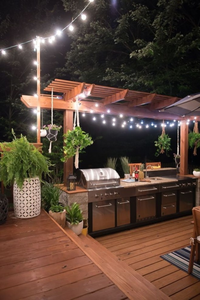 Amazing Outdoor Kitchen Bars to Finish This Summer 25