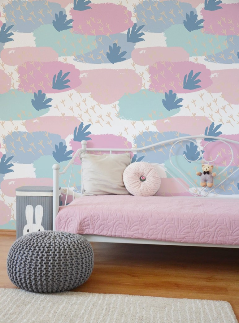 Best Wallpaper Decoration Designs to Enhance Your Family Room 38