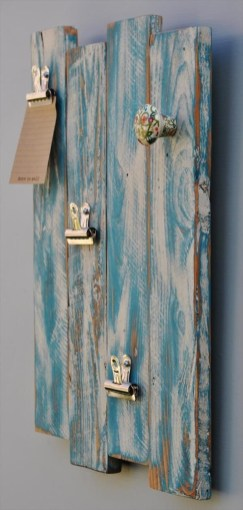 Cool Interior Design DIY Pallet to Beautify Wall Hangings of your Home 09