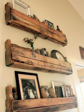 Cool Interior Design DIY Pallet to Beautify Wall Hangings of your Home 47