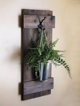 Cool Interior Design DIY Pallet to Beautify Wall Hangings of your Home 57