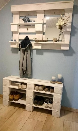 Cool Interior Design DIY Pallet to Beautify Wall Hangings of your Home 65