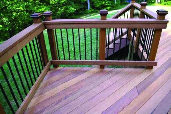 Easy DIY Wooden Deck Design For Backyard 14