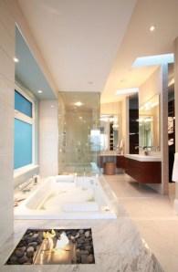 Majestic Bathroom Decoration to Perfect Your Dream Bathroom 44