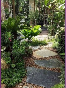Mesmerizing Side Yard Landscaping Design Ideas to Perfect Your Garden Design 18